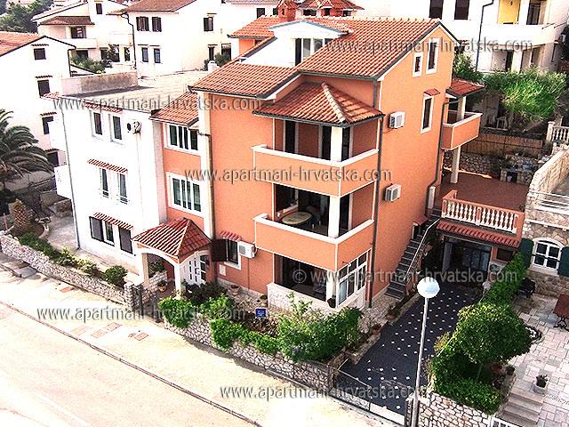 Апартаменты в Хорватии: Мали Лошинь
