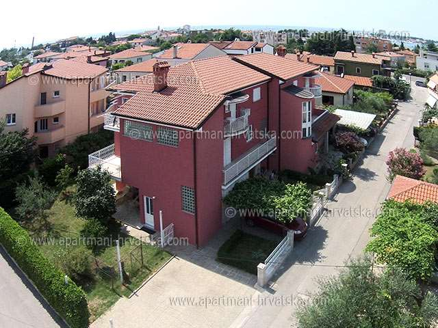 Apartmani Hrvatska: http://www.interijeri.com/apartmani/5509-0002.jpg
