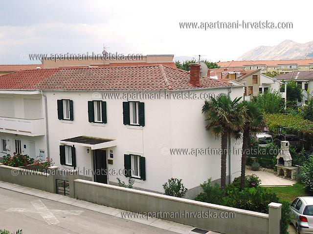 Apartmani Hrvatska: http://www.interijeri.com/apartmani/9388-ap_01.jpg