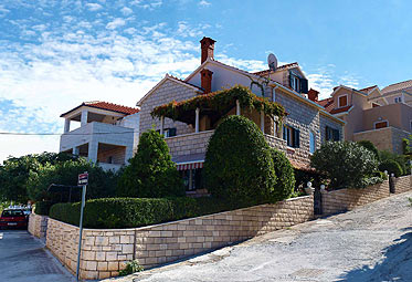 Apartmani Hrvatska: Postira